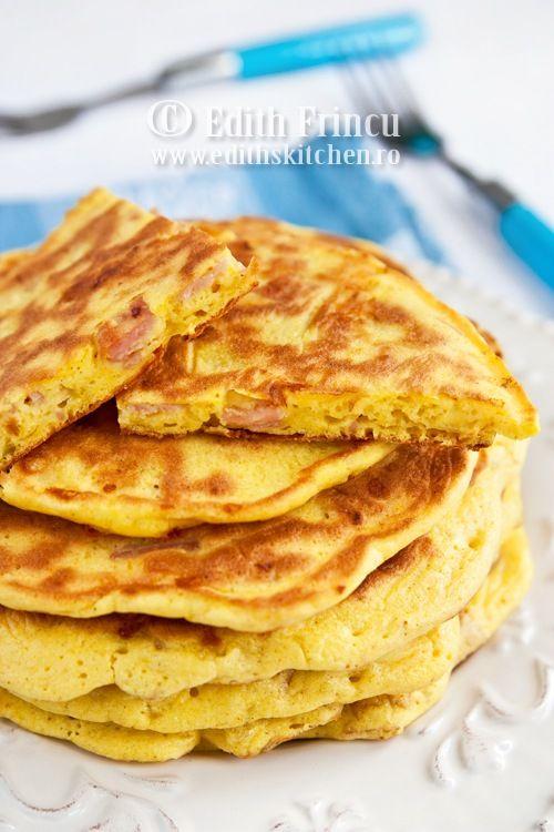 PANCAKES CU SUNCA SI CASCAVAL- Iubesc pancake-urile. Fie ca-s dulci, fie ca-s sarate, imi plac la fel de mult. Pancake-urile de fata sunt ideale pentru micul dejun, dar se pot consuma la