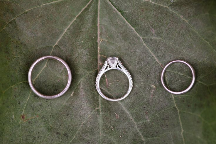 #Penticton #outdoor #beautiful #classic #wedding #photography #love #rozalindewashinaphotography #rings