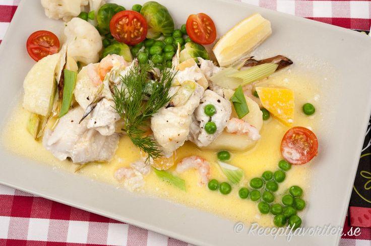 Fisklåda med spätta, räkor och potatis