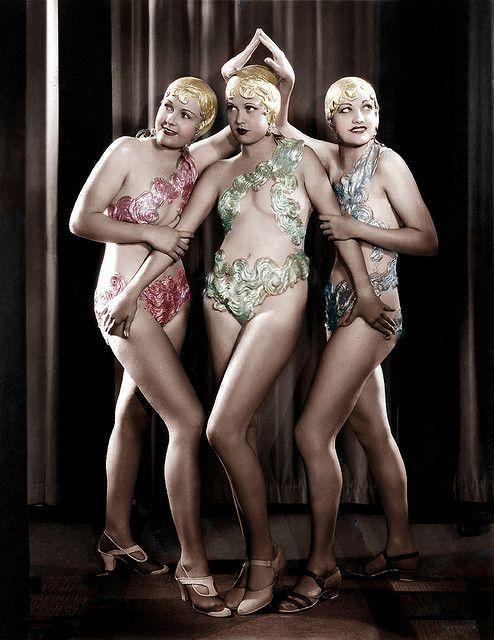Chorus Girls 1933: Footlight Parade: Busby Berkley number/ Waterfall