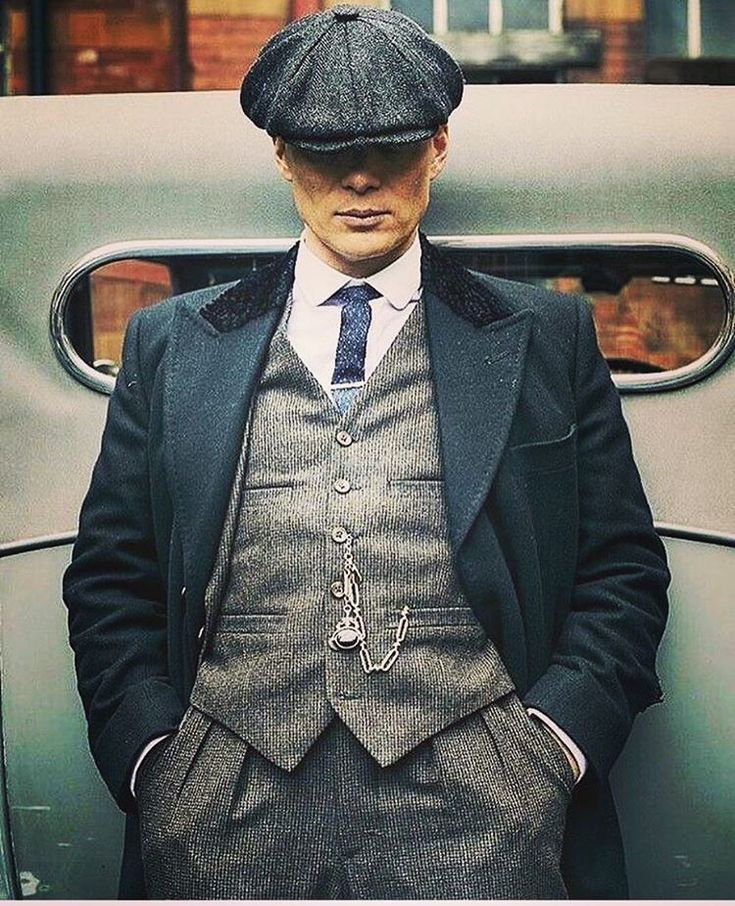 On-screen fiction can spawn some interesting influences on fashion. Every so often, an example of film or television comes along which attracts the attention of the male fashionwear. Peaky Blinders Fashion Cuba Clothing