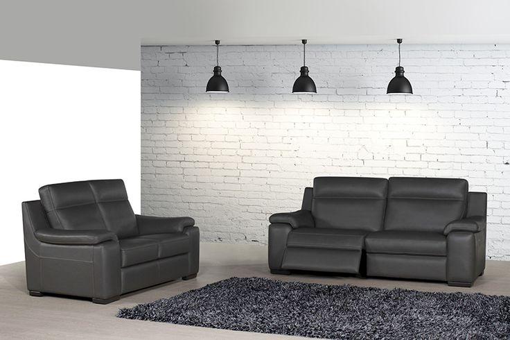 akash est un de nos salons avec relax lectriques en noir ou blanc classique et styl. Black Bedroom Furniture Sets. Home Design Ideas