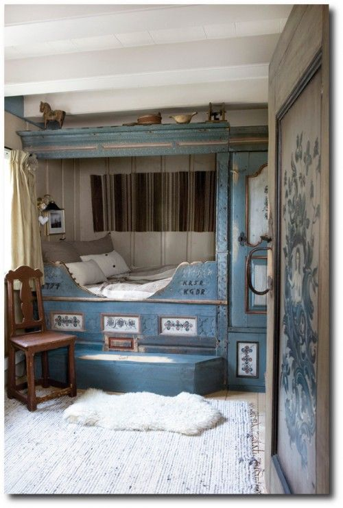 Norwegian House  I love the built in beds of Scandinavia