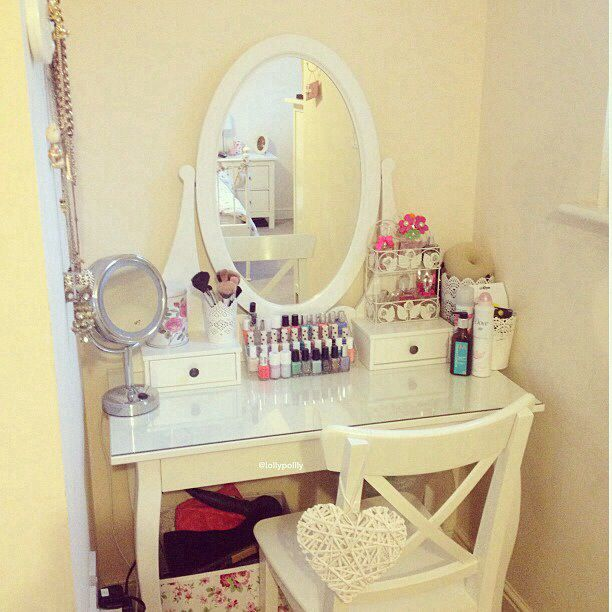 This makeup desk will be in my house soon! In love!
