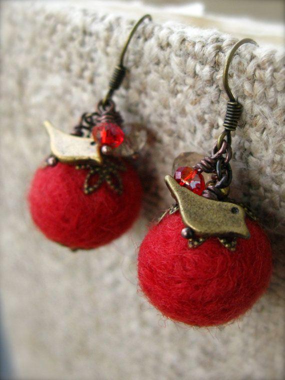 red wool felt bird earrings by vcarolcreations on Etsy,