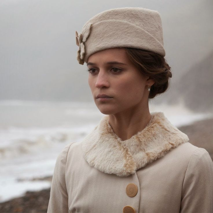 Testament of Youth: Vera Brittain's clothes