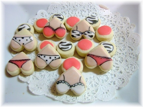 lingerie themed cookies - cuteee and scandalous ;)