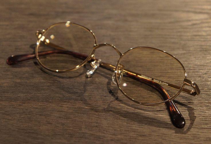 Glasses by 中宮虎熊商店 ブルーライトをカットするおしゃれな老眼鏡 | 虎熊アンティークIII チタン老眼鏡(ブルーライトカット付き)フルリム / GOLD