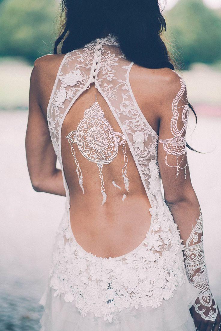 Brautkleider mit tiefem Rückenausschnitt