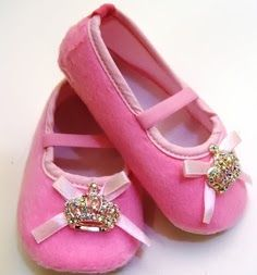 Awww, look at these cute shoes for my niece that will be arriving in Dec.