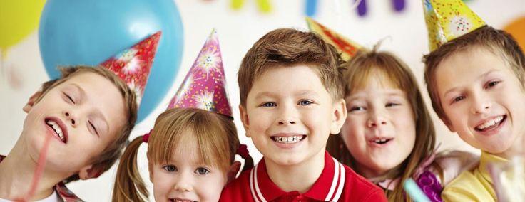 Op Kinderfeestje thuis willen we zoveel mogelijk facetten van een kinderfeestje thuis organiseren uitwerken zoals bijv. de uitnodiging, spelactiviteiten