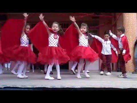 23 nisan gösterisi izmir marşı memleketim - YouTube