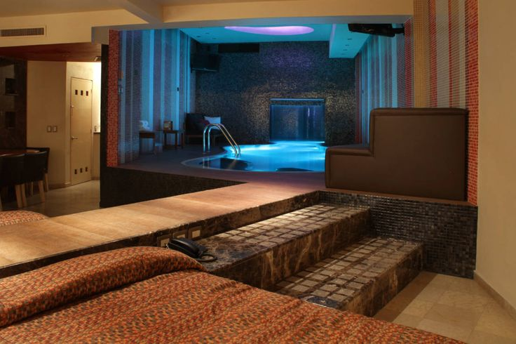 Encuentra las mejores ideas e inspiración para el hogar. Hotel Pirámides Valle por DIN Interiorismo | homify
