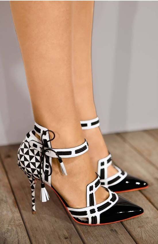 Black and white heel shoes 2017
