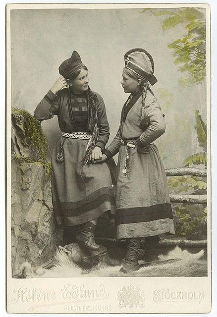 Two Sami women 1890- 1899, Sweden. Read more about Sami women at http://www.utexas.edu/courses/sami/dieda/hist/women.htm.