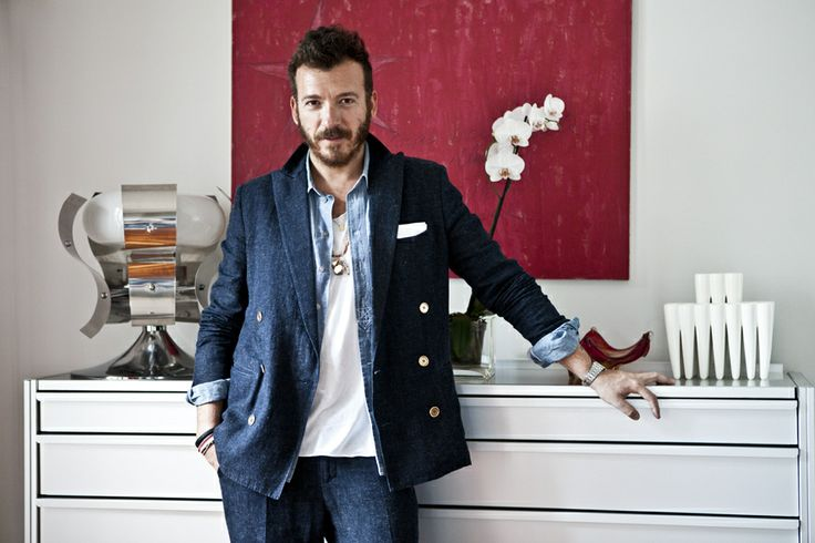 Andrea has always lived in a creative environment. His father is an architect and his mother a passionate of painting #menswear #mensfashion #style #elegance #canali1934