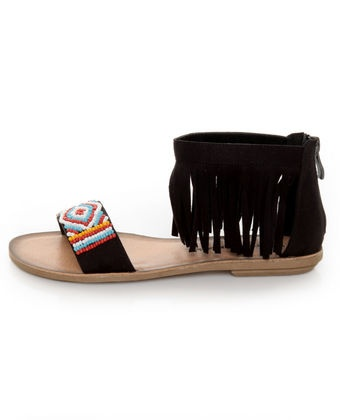 I want these for the Bahama Cruise<3: Affordable Style, Fringes Sandals, Sandals Weather, Ever Evolv Style, Flat Sandals, Beads Fringes, Closet, Fringes Flats, Flats Sandals