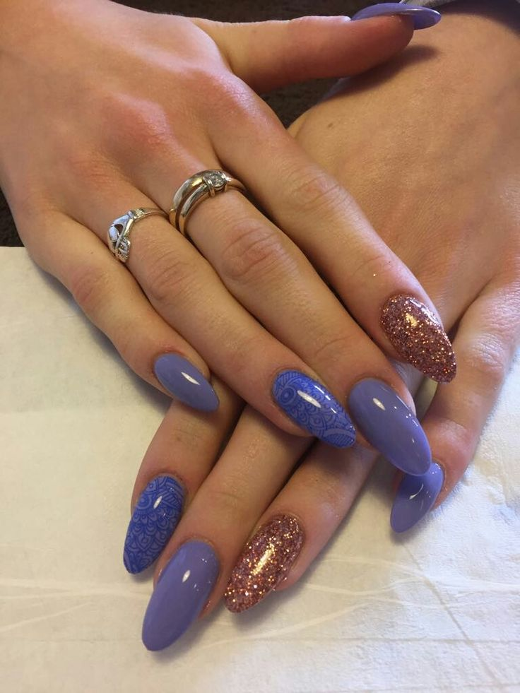 Shellac (Wisteria Haze) with Blue Stamping & CND Rose gold glitter powder