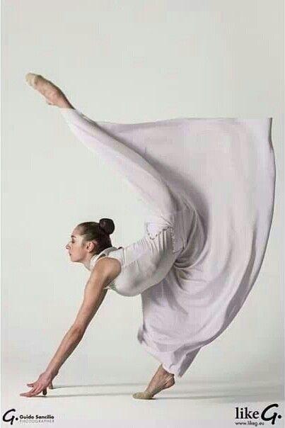 Artist Reference | Pose | Cloth / Fabric Folds, Wrinkles | Katsiaryna Halkina (Belarus)