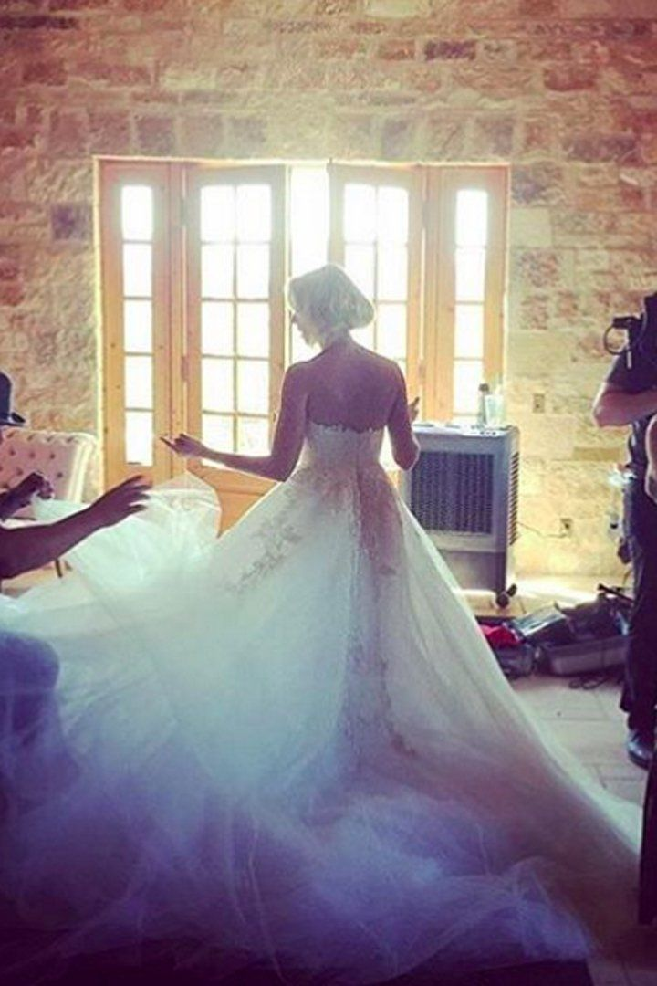 La Robe de Mariée d'Anna Camp Était Aussi Magique Que Ce Qu'on S'était Imaginé