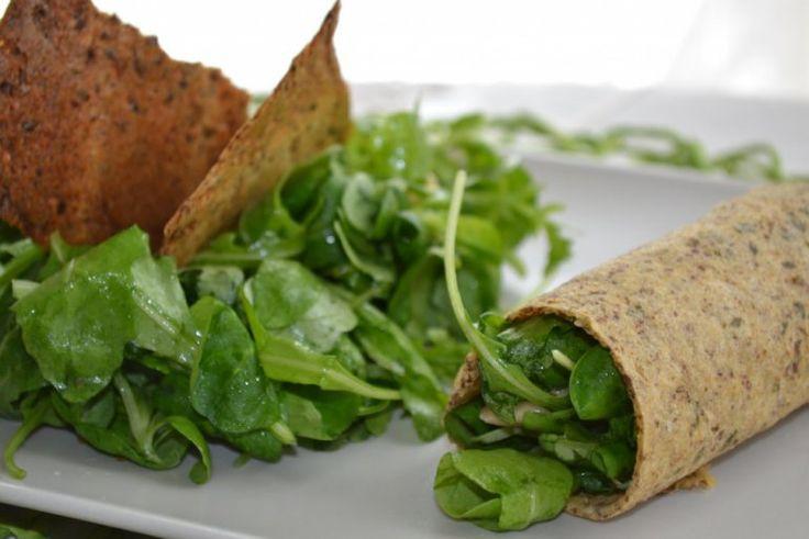 Cialde speziate alla farina di ceci con rotolo di insalata