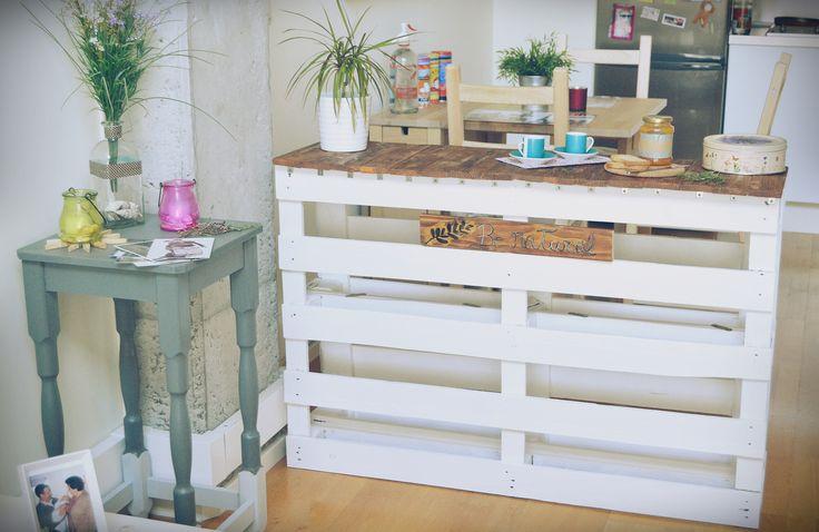 Hoy en el blog un DIY muy sencillo, construye tu propia barra americana con palets.