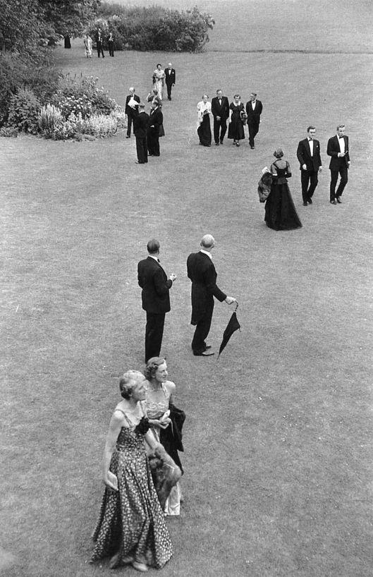 Henri Cartier-Bresson - Glyndebourne Inglaterra 1955 intervalo da ópera