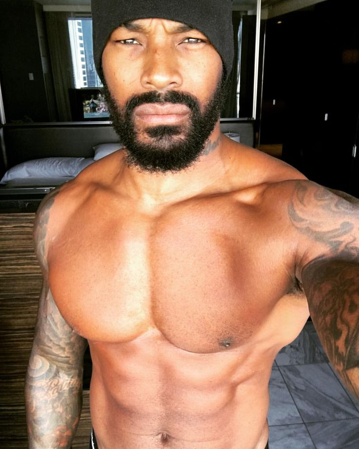 "9,577 Likes, 159 Comments - Tyson C.Beckford (@tysoncbeckford) on Instagram: ""Friday Fitness! #teamtyson #tysonbeckford #beardgang #Chippendales #traps #abs #fitness"""