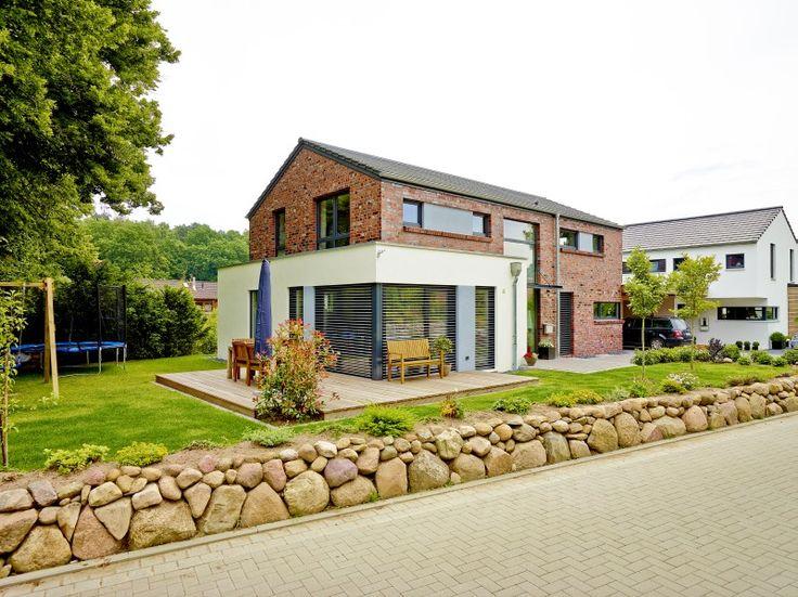 Das architektenhaus individuell geplant und massiv und for Haus bauen massiv
