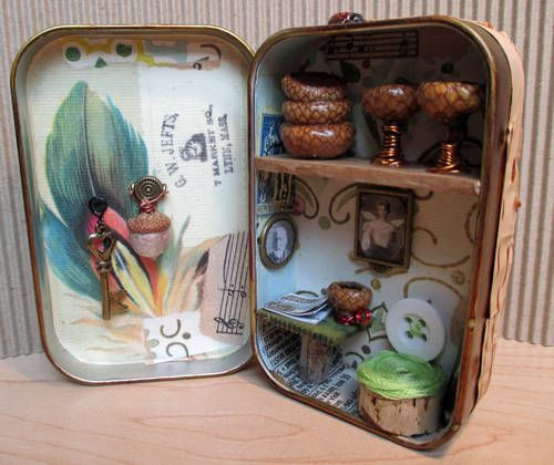 Fairy House Altoid Tin inside, click on picture for more views and up close pictures