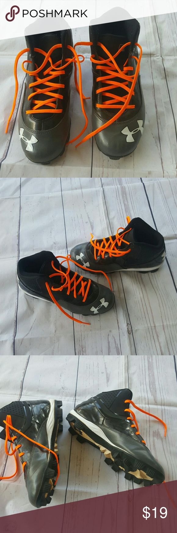 6y under armour high top cleats Excellent used Under Armour high top black cleats with bright orange shoelaces almost in brand new condition. Under Armour Shoes Sneakers