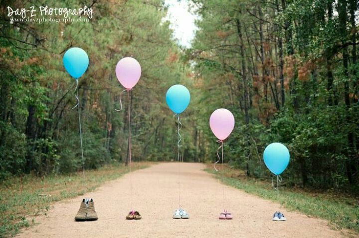 Gender Reveal idea. - instead of shoes for rest of family have person holding balloon.