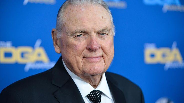 Legendary college football announcer Keith Jackson died Friday night at age 89, ESPN reports.