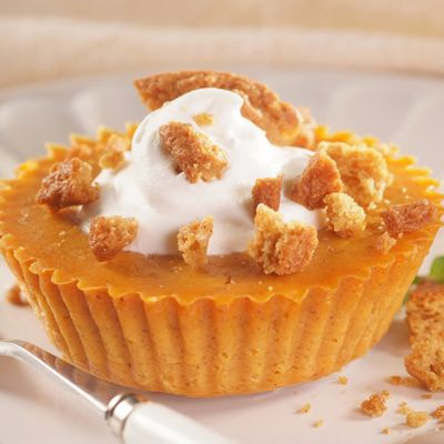 100 Calorie, Flourless Pumpkin Pie Tartlets. Make this gluten free by using gluten free cookie crumbs on the top instead of regular cookies.  Making these for Thanksgiving!