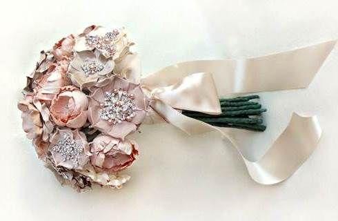 Bouquet da sposa con fiori di seta, scopri i più belli - Donnaclick