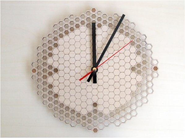 Wooden wall clocks to warm up your interior - Download