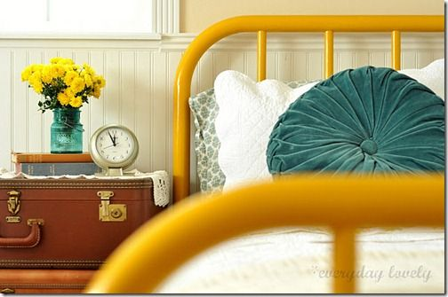 Oh my goodness. I love this. Too bad my husband hates yellow. =(