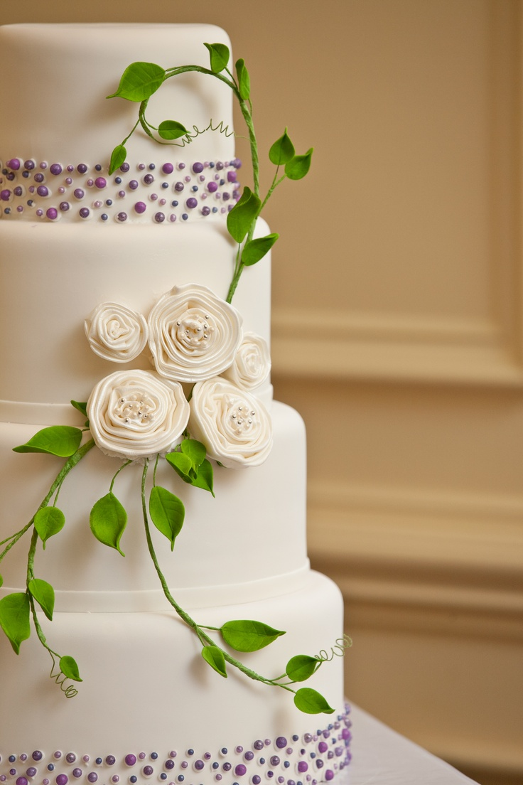 wedding cakes with vines and flowers 47 best images about wedding cakes by flower and flour on 26133