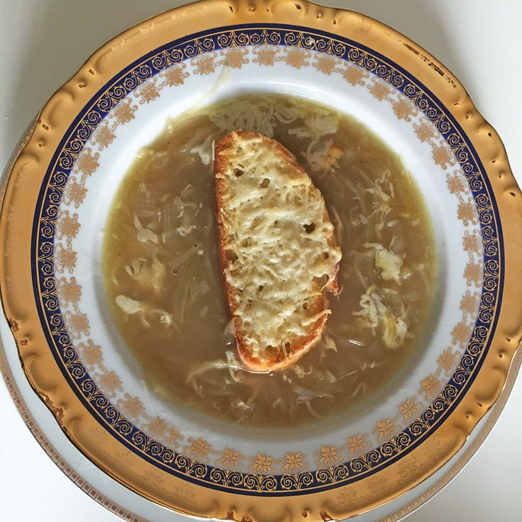 Be fancy - eat the onion soup like French. #SooFoodies #foodie #food #fresh #homemade #foodideas #foodcoma #foodporn #foodstagram #foodstyle #foodforlife #foodphotography #yammy #lunch #dinner #dinneridea #lunchtips #familyfood #onionsoup #frenchstyle #bread #onion #cheese