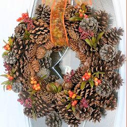 DIY Autumn Pinecone Wreath