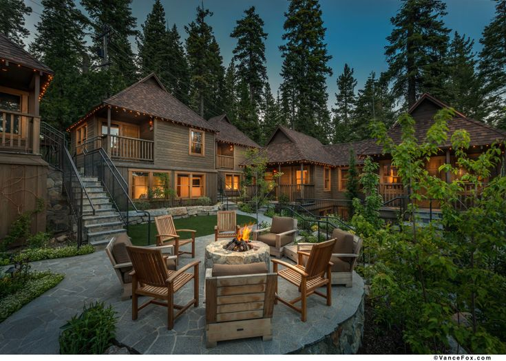 You won't find a wider range of options for North Lake Tahoe hotels and accommodations. From resorts, to hotels, to inns to bed & breakfasts. 888-434-1262