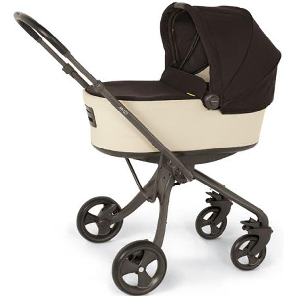 Plegado sencillo con una sola mano. Asiento con acolchado exclusivo y suave para una máxima comodidad. Silla con respaldo reclinable en cualquier posicion, incluso totalmente plano. La silla de paseo es reversible, mirando hacia delante o hacia atras.  Apto desde el nacimiento hasta los 15kg. Cómpralo en: http://www.ninosbebe.com/tienda/Cochecitos-de-bebe/Mylo/MYLO-col-ARENANEGRO.html#cont