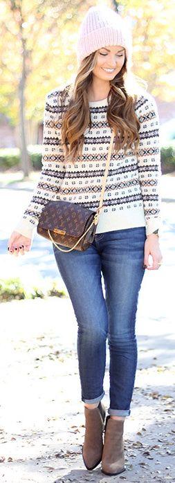 Sweater: J.Crew | Jeans: Current/Elliott | Handbag: Louis Vuitton 'Favorite MM' | Booties: Vince