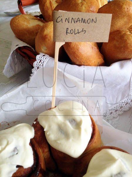Detalle Cinnamon Rolls y su salsa http://luciacocinabogota.blogspot.com/2014/05/primera-comunion-tipo-brunch.html