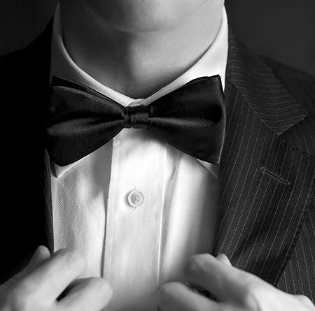 Tuxedo Rental Prices: What to Expect -        Understanding wedding tuxedo rental prices can be a confusing process. The cost depends not only on the store you rent from, but also on the style of tuxedo chosen. Higher end garments and designer brands are more expensive than average, but typically, the prices range from under 50$...