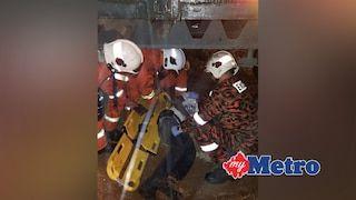 Padah tidur bawah lori kerana mabuk digilis sampai patah kaki   LELAKI patah kaki kiri akibat digilis lori selepas mangsa yang dipercayai mabuk tidur di bawah lori berkenaan di Jalan Delima 4 Batu 6 Tambun Ipoh 5.45 pagi hari ini.  Ketua Operasi Balai Bomba dan Penyelamat (BBP) Ipoh Khairuddin Hussin berkata pihaknya menerima panggilan kecemasan pada 5.51 pagi sebelum sepasukan anggota bergegas ke lokasi kejadian.  Katanya sebaik tiba pihaknya mendapati mangsa 39 tidak dapat bergerak akibat…