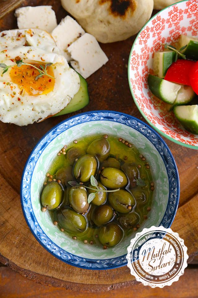 Evde Kırma Yeşil Zeytin Nasıl Yapılır? - Tarifin püf noktaları, binlerce yemek tarifi ve daha fazlası...