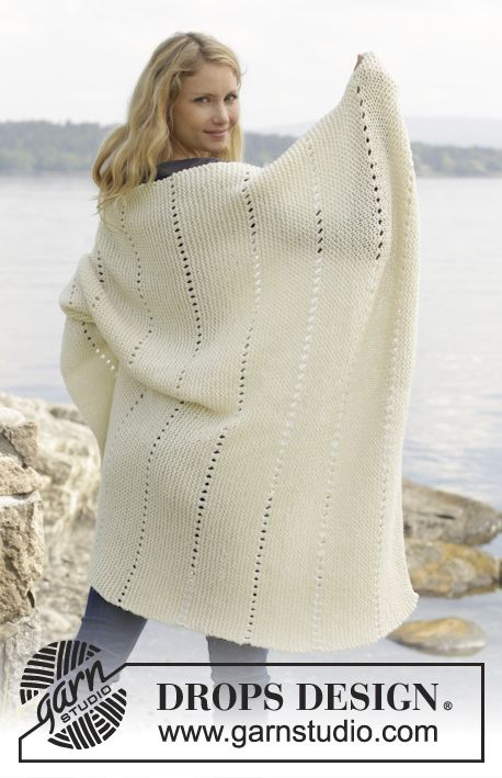 """Cuddle by the Sea - Knitted DROPS blanket with ridges in garter st in """"Lima"""". - Free pattern by DROPS Design"""