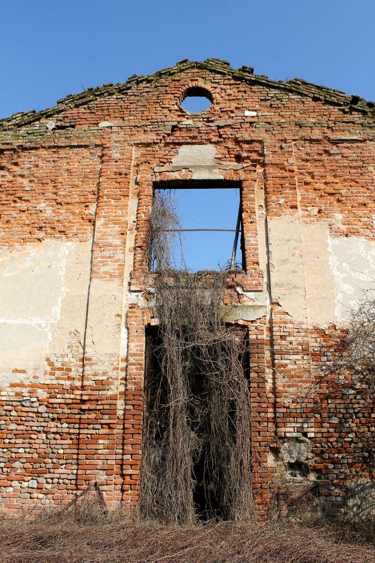 abandoned church   Vighignolo, Settimo Milanese