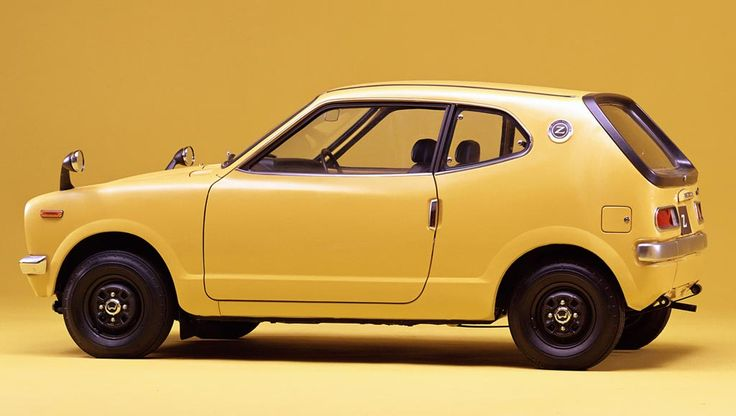 1973-74 Honda Z600 Coupe. 0-60 in 32.6secs. Phew! An arm pulling 32bhp, about the same as my lawn mower :-)
